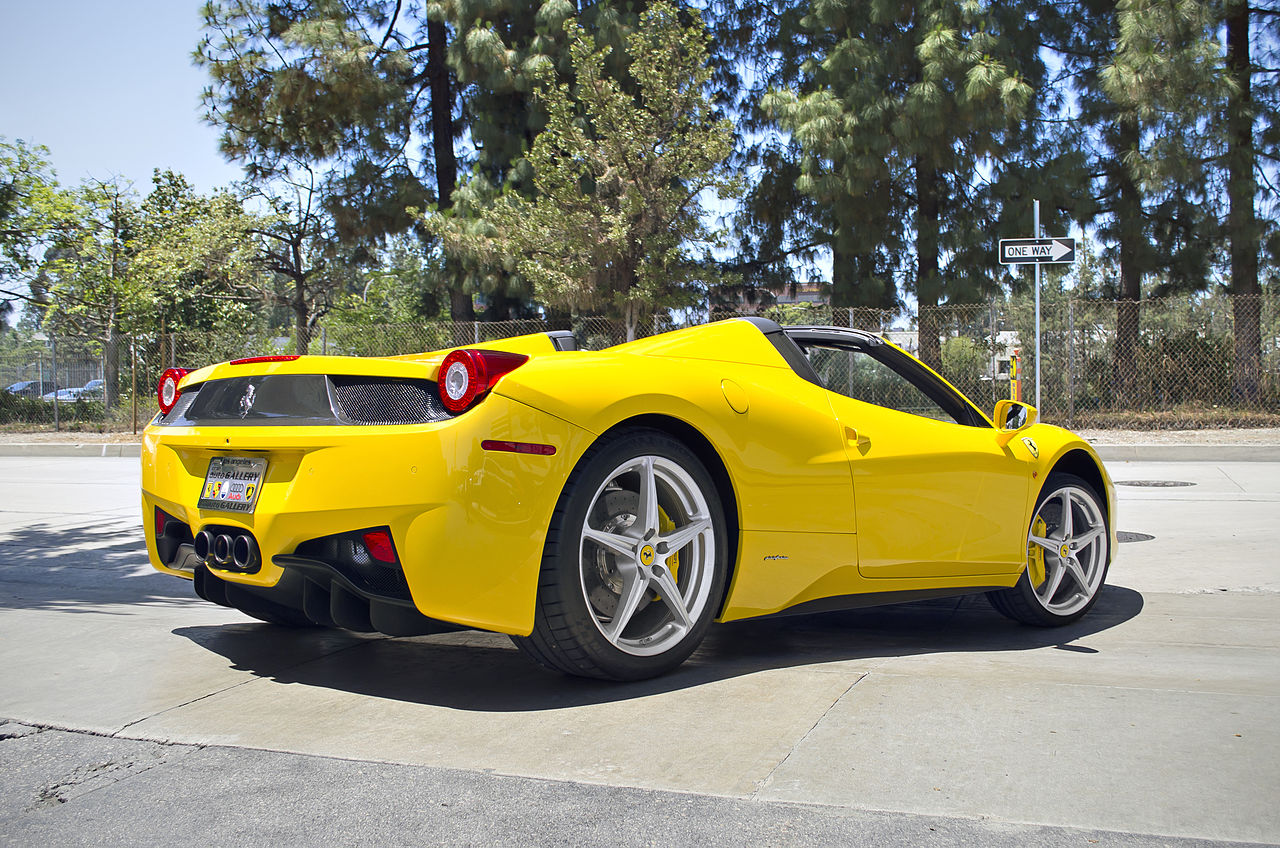 file yellow ferrari 458 italia spider 11139789214 jpg wikimedia commons. Black Bedroom Furniture Sets. Home Design Ideas