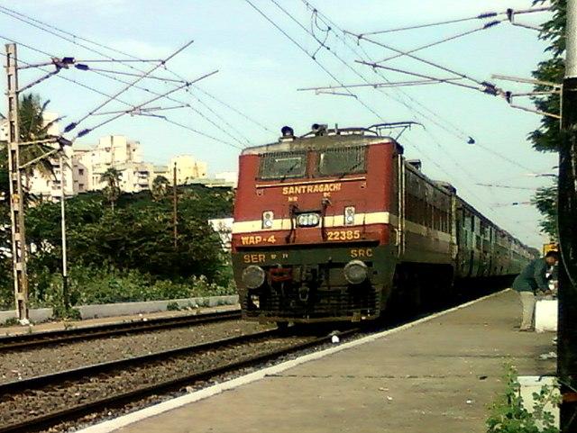 Yesvantpur-Howrah Express with a WAP-4 loco at Marripalem 02
