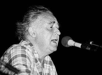 Youenn Gwernig - Gwernig performing in Brittany