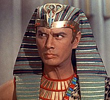 Yul Brynner en 1956 en a suya pelicula The Ten Commandments.