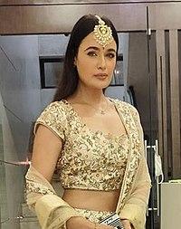 Yuvika Chaudhary celebrating Diwali in 2020.jpg