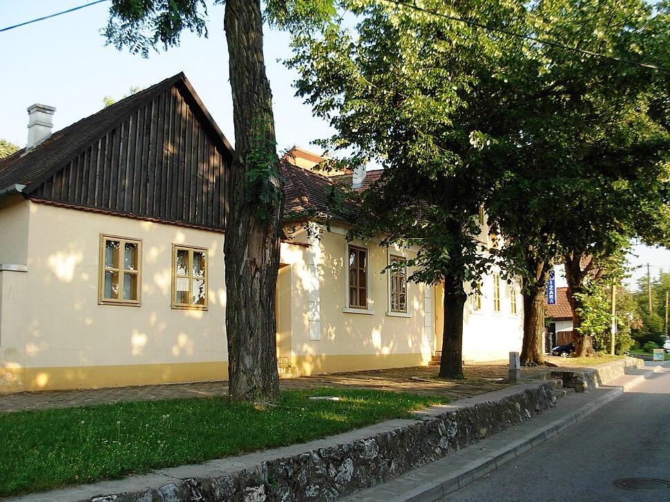 Zmajev muzej, Sremska Kamenica 2