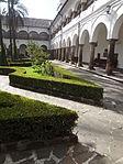 (Iglesia de San Francisco, Quito) Convento pic.ab02 interior courtyard.JPG