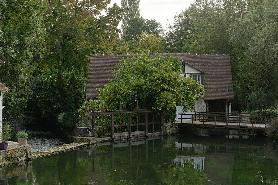 Écluse sur l'Epte à Gasny, dans l'Eure.
