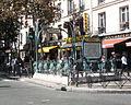 Édicule Guimard de la station Crimée.jpg
