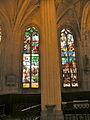 Église de Chaumont en Vexin vitrail déambulatoire 3.JPG