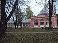 Западный флигель Воронцовский парк 03.jpg