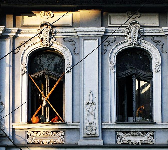 Житловий будинок прибуткового типу, Миколаїв. Автор фото — Yara shark, ліцензія CC-BY-SA-4.0