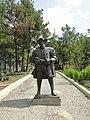 Сафари-парк. Скульптура Васко да Гамы - panoramio.jpg