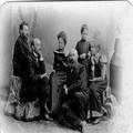 משפחת מרדכי בן- הלל הכהן עם אחד העם ודובנוב משמאל ימינה- שמעון דובנוב אחד העם-PHG-1001691.png