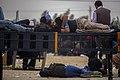 خستگی مردم (زائرین) در پیاده روی اربعین- مرز مهران- ایران 14.jpg