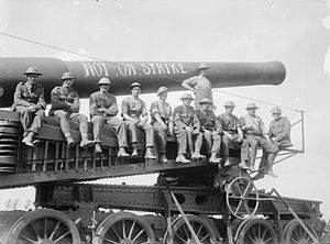 Battle of Langemarck (1917) - Image: 12inch Mk IX Railway Gun Vickers Mounting Woesten August 231917