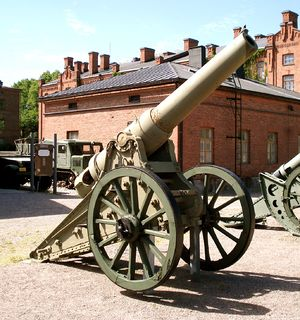 6-inch siege gun M1877 - Russian 6-inch M1877 gun, displayed in Hämeenlinna The Artillery Museum of Finland.