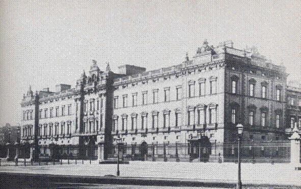 1910 Buckingham Palace