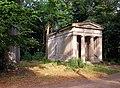 20030711570DR Nischwitz (Thallwitz) Schloßpark Gruft Ritzenberg.jpg