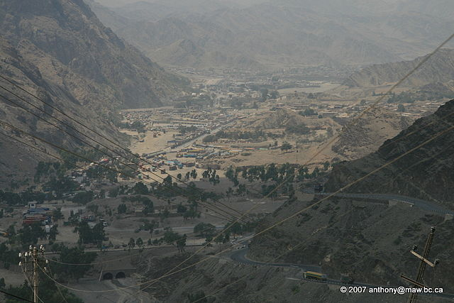 Khyber Pass By Anthony Maw (Own work) [CC-BY-SA-3.0 (https://creativecommons.org/licenses/by-sa/3.0)], via Wikimedia Commons