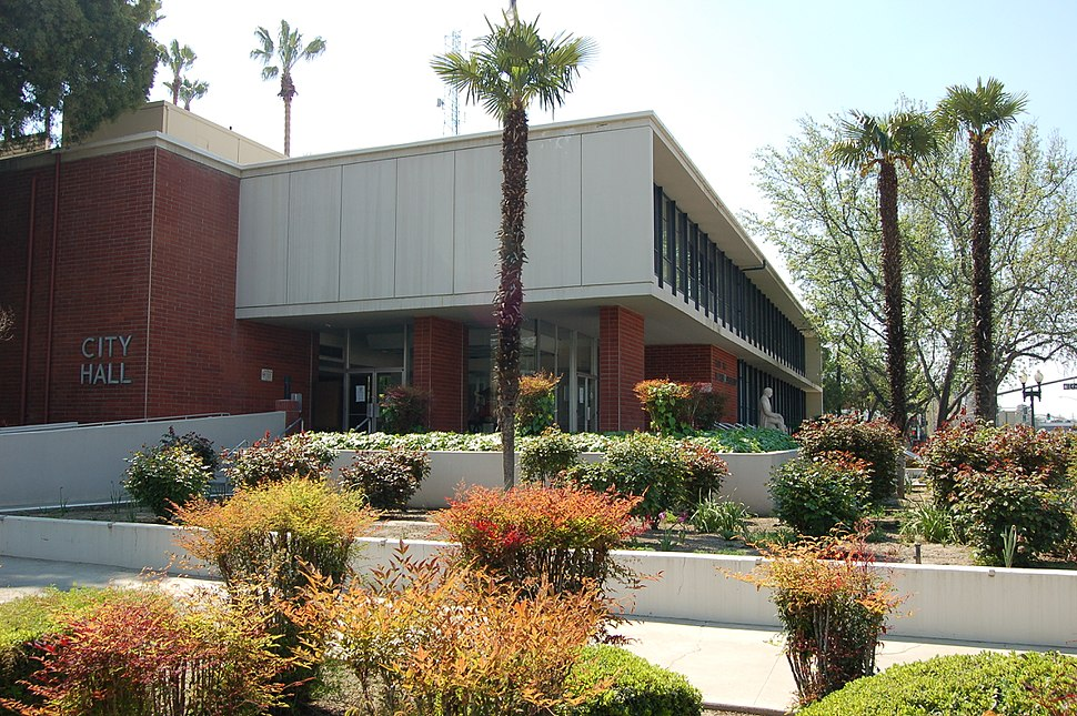 2011 Bakersfield City Hall