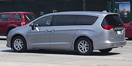 2017 Chrysler Pacifica on West Side Highway.jpg