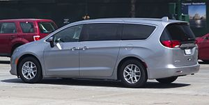 Chrysler Pacifica (RU) - Side view