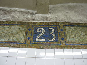 23rd Street (BMT Broadway Line) - Detail of top border mosaic