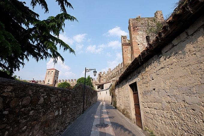 37017 Lazise, Province of Verona, Italy - panoramio (11)