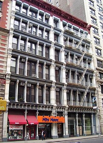 NoHo, Manhattan - Image: 687 691 Broadway