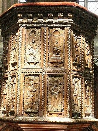 Aumale - Image: AUMALE Panneaux sculptés de la chaire de St Pierre St Paul