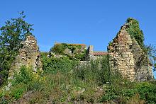 Abbaye des Fontenelles (ruines 3) - La Roche-sur-Yon.JPG