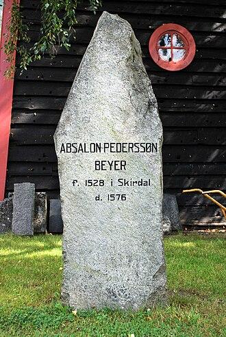 Absalon Pederssøn Beyer - Memorial stone at Vangen Church in Aurland