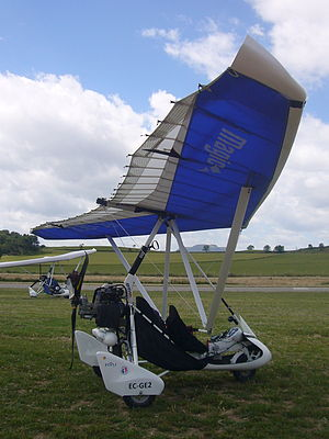 DTA sarl - DTA Feeling trike with the DTA Magic strut-braced wing