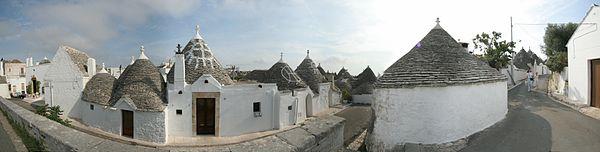 Trulli d'Alberobello dans la province de Bari, région des Pouilles