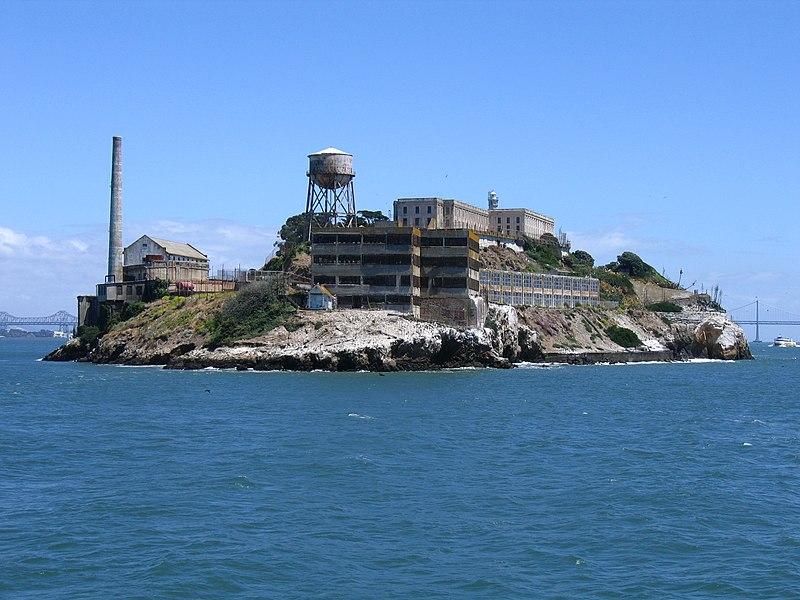 800px-Alcatraz_Island.jpg