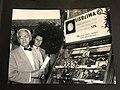 Alexander Fleming in visita ai laboratori di Rodolfo Ferrari durante il II Congresso Nazionale Antibiotici Milano 1950.jpg
