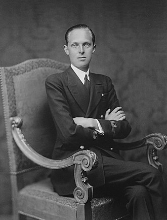 Alfonso, Prince of Asturias (1907–1938) - Formal photo portrait by Franzen, 1927