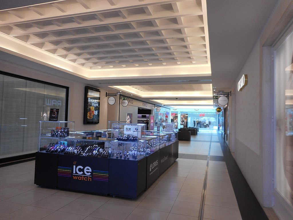 Algarve Shopping Mall First Floor, 10 March 2016