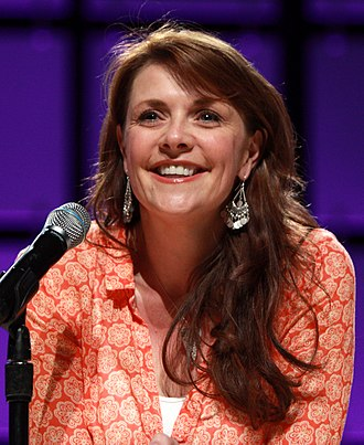 Amanda Tapping - Tapping at the Phoenix Comicon, 2013