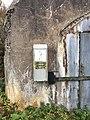Ammusvaraston ovi Vallisaaressa 4.jpg
