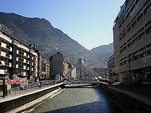 Gran Valira - Gran Valira flowing under the Pont de Paris in Andorra la Vella