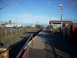 Ardrossan Harbour railway station.jpg