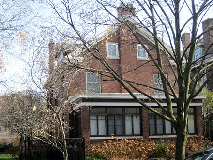 Compton's house in Chicago, now a national landmark Arthur H. Compton House (7373049818).jpg