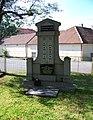 Běleč (KL), pomník obětem válek.jpg