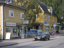 """Stockholmsvægen (Amtsvej 545) i """"Gamla"""" Bålsta"""