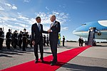 Barack Obama walks with Foreign Minister Carl Bildt of Sweden, 2013.jpg