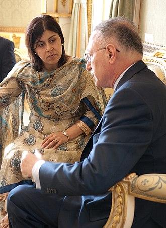 Sayeeda Warsi, Baroness Warsi - Lady Warsi with Ekmeleddin İhsanoğlu, Secretary-General of the Organisation of Islamic Cooperation in 2010