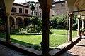 Basilica di Sant'Antonino (Piacenza), chiostro 02.jpg