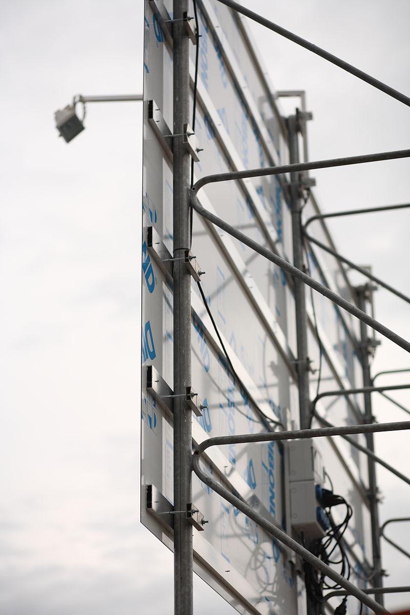 Baustellenschild Dibond Detailansicht.jpg