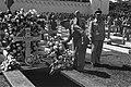 Begrafenis generaal Spoor op Ereveld Menteng Pulo De Hoge Vertegenwoordiger v, Bestanddeelnr 4162.jpg