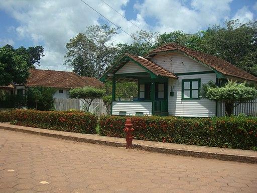 Casa e hidrante en Belterra