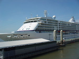 Seven Seas Voyager cruise ship, berthed in Liv...