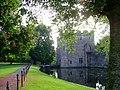 Bishops Palace Wells gatehouse and drawbridge.JPG